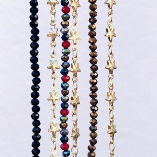 Cuelga mascarillas o gafas con cristales negros  y  cadena de estrellas dorada [2]