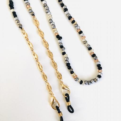 Cuelga mascarillas o gafas en tonos gris, plata y cadena de eslabones dorada