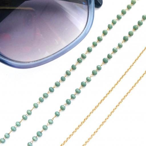 Cordón cuelga gafas y mascarillas con cadena dorada y bolitas verdes