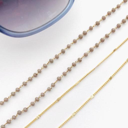 Cordón cuelga gafas y mascarillas con cadena dorada y bolitas color visón