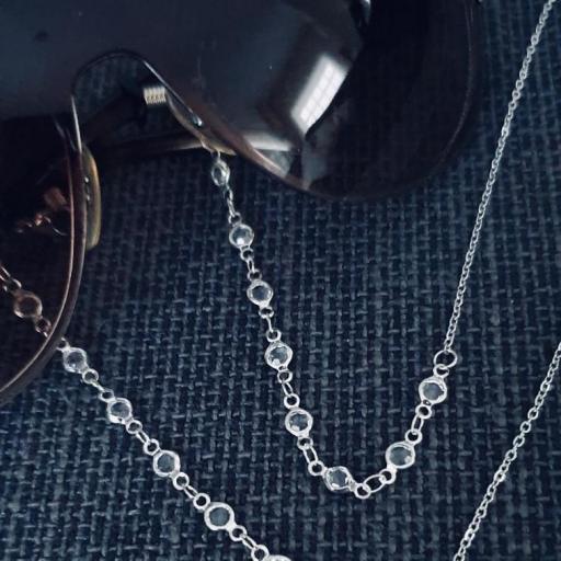 Cordón gafas con cristales y cadena plateada