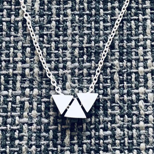 Conjunto de pendientes y colgante triángulo [1]