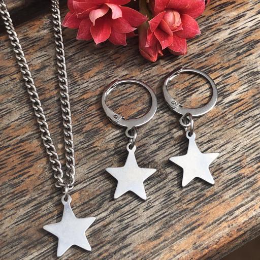 Conjunto pendientes y colgante estrellas