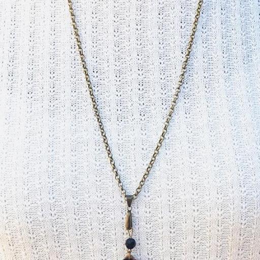 Collar gota tonos marrones, resina  y cristal checo [1]