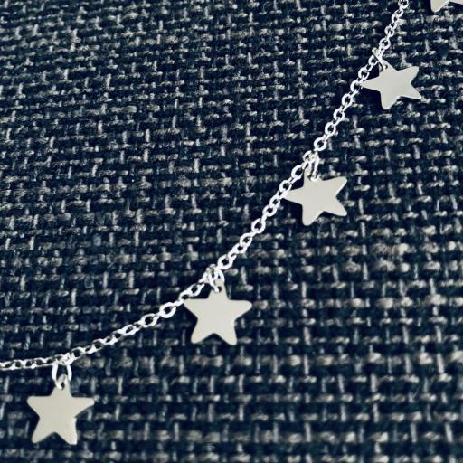 Collar de estrellas plateadas [1]