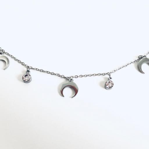Collar gargantilla con cristales y medias lunas [0]