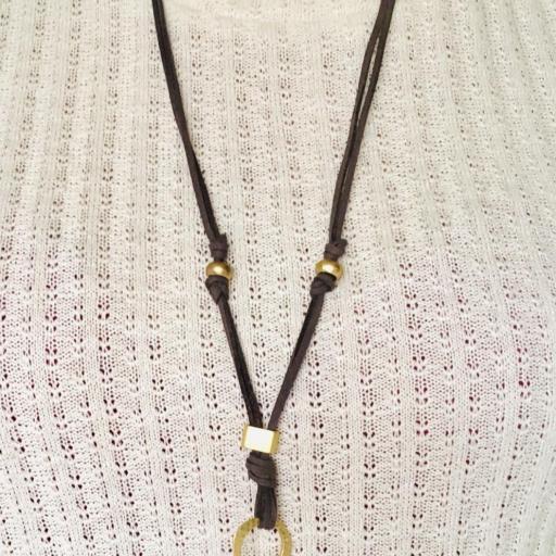 Collar gris marengo y dorado con perla [1]