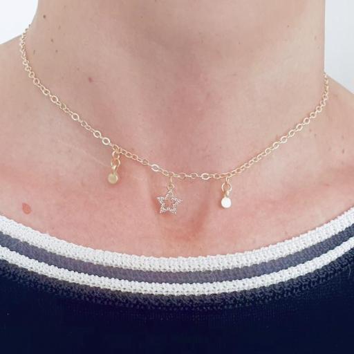 Colllar gargantilla dorado con estrella y círculos [1]