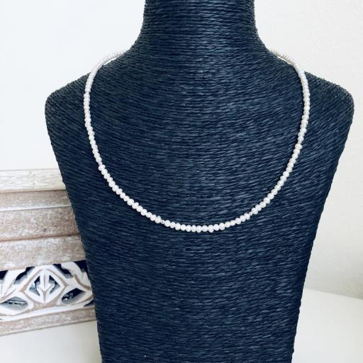Gargantilla de perlas y plata