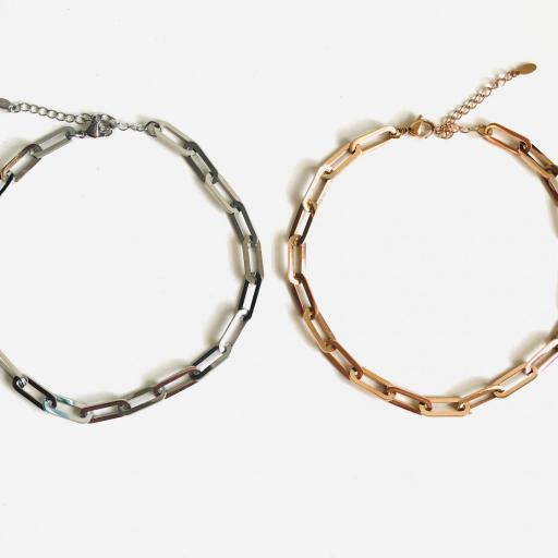 Gargantilla o cadena de acero con eslabones plateados [3]