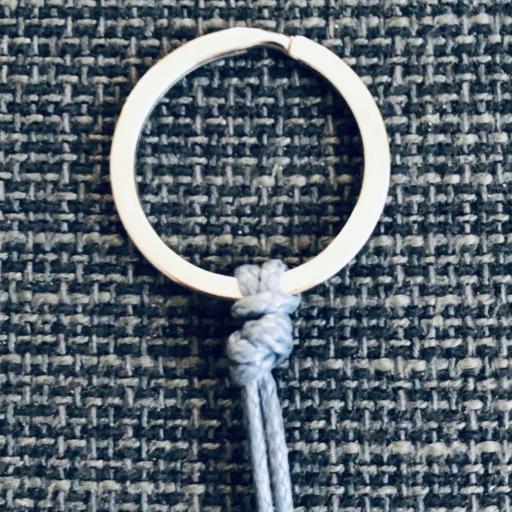 Llavero con tubo ovalado color azul-grisáceo [2]