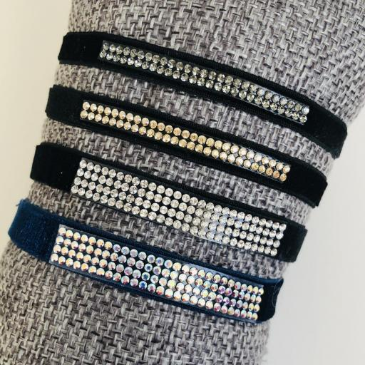 Pulsera elástica azul con cuatro filas de cristales Swarovski azulados [3]