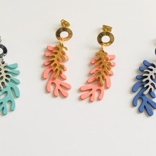 Pendientes con forma de coral en color azul y dorado [3]