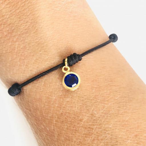 Pulsera negra de 7 nudos con cristal azul marino [1]