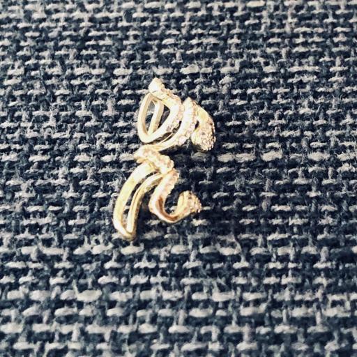Earcuff serpiente de plata con baño de oro y circonitas (venta por unidad) [1]