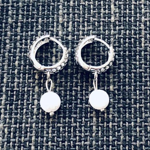 Pendientes criollas plateados y calados con perla  [1]