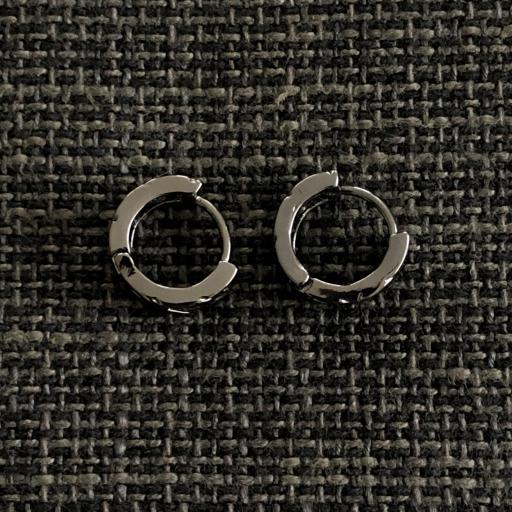 Pendiente criolla de eslabones en color negro metalizado [1]