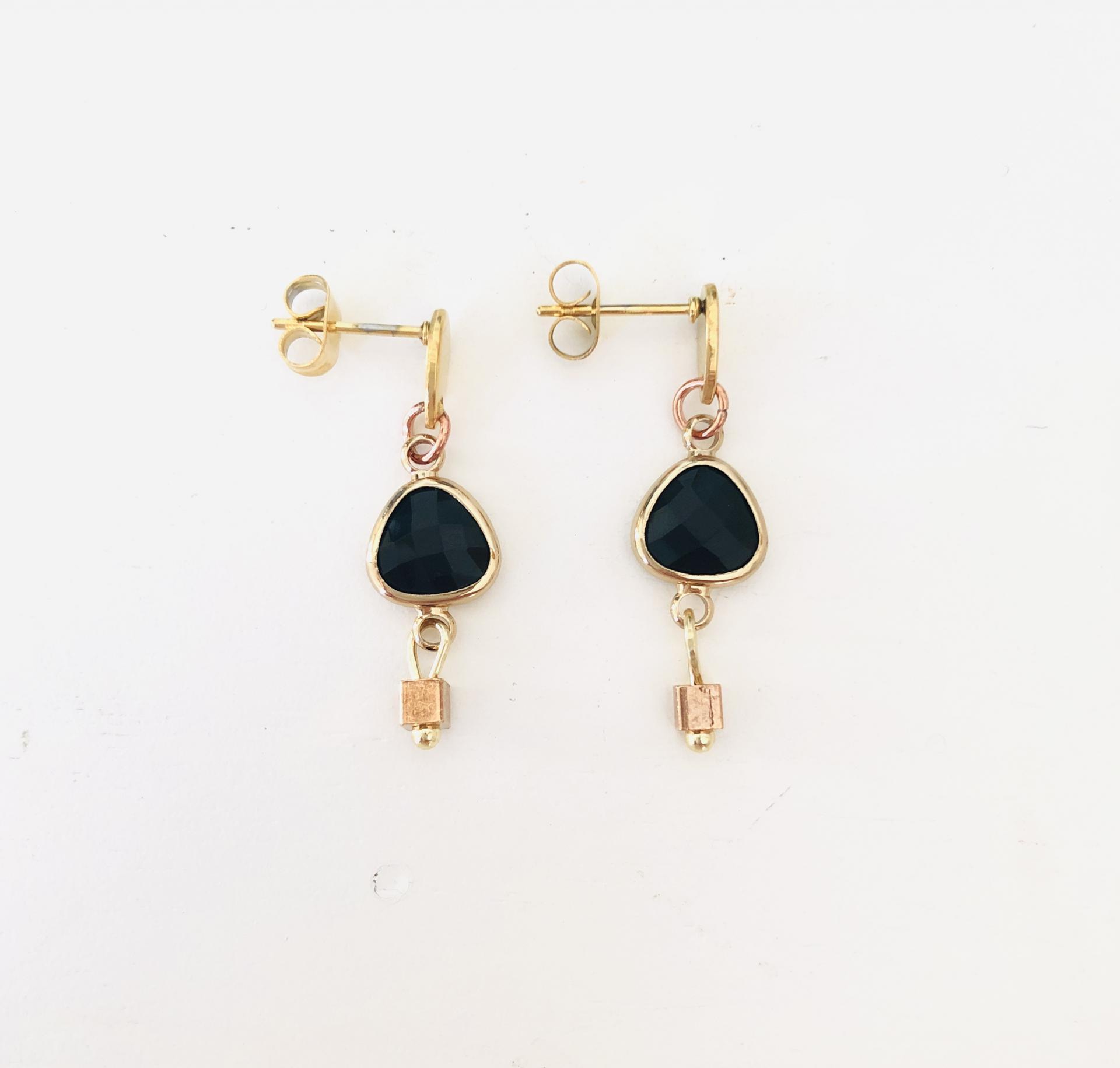 """Pendientes colección """"Kriss"""" en color negro y dorado"""