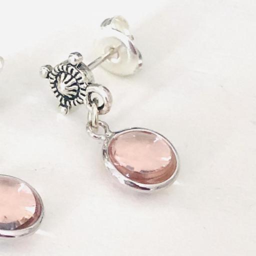 Pendientes con redondel plateado y cristal rosado [3]