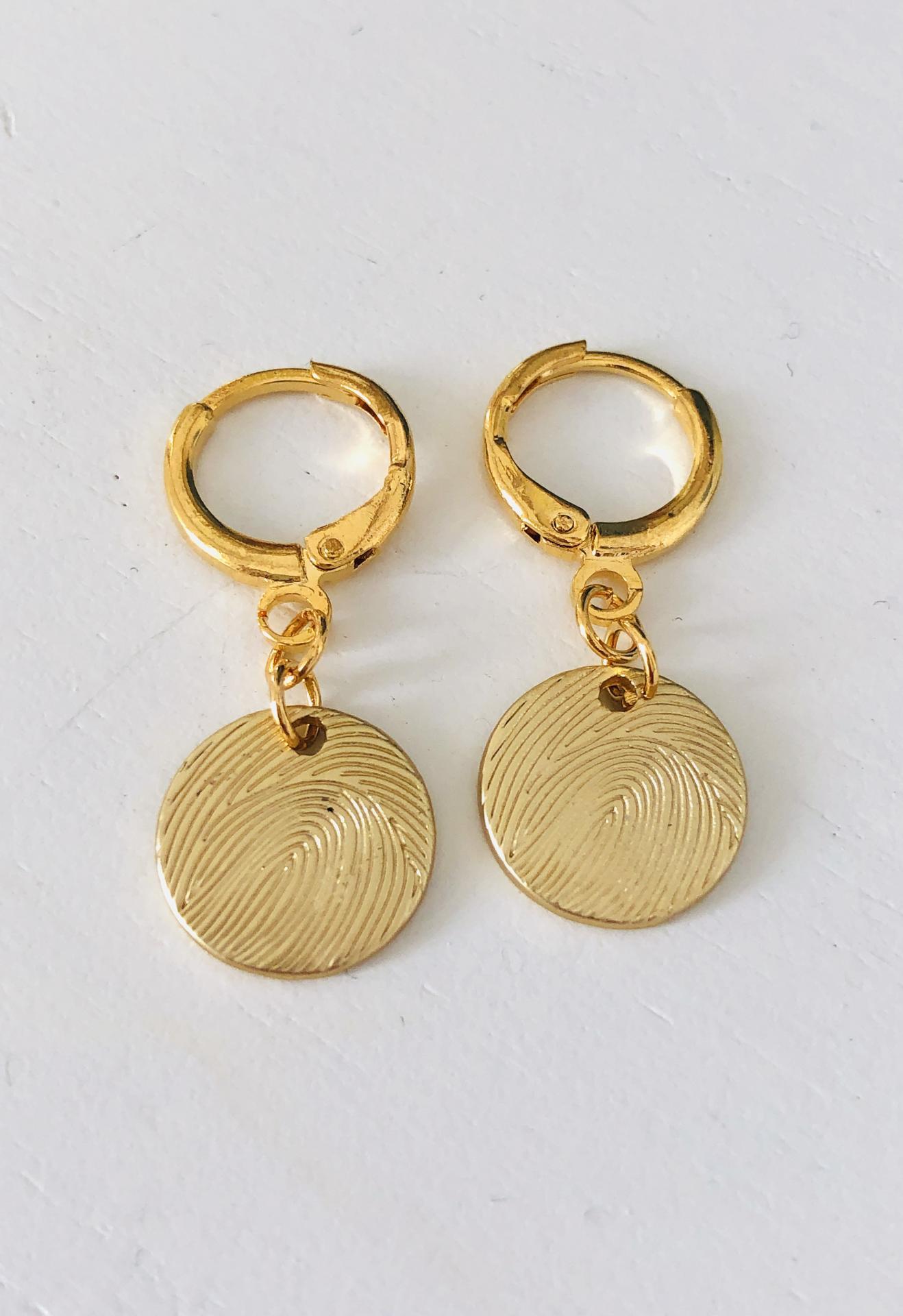Aros criolla con círculo dorado