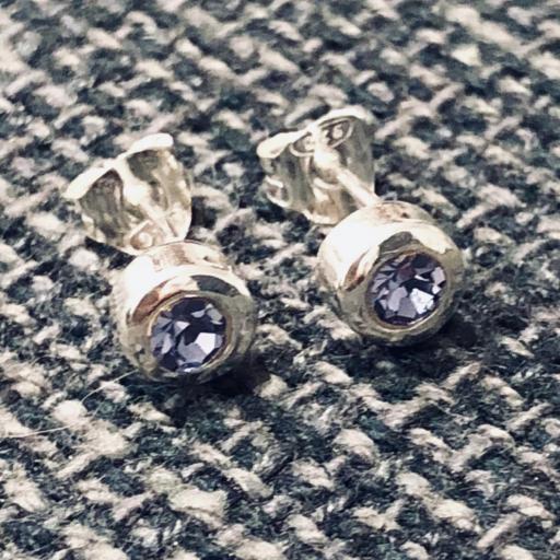 Pendientes de plata con cristal violeta