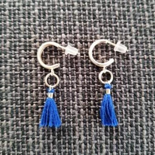 Pendientes criolla plateada y borla azul