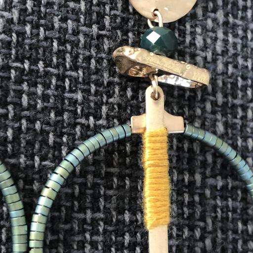 Pendientes  dorados fantasia verde y mostaza [2]