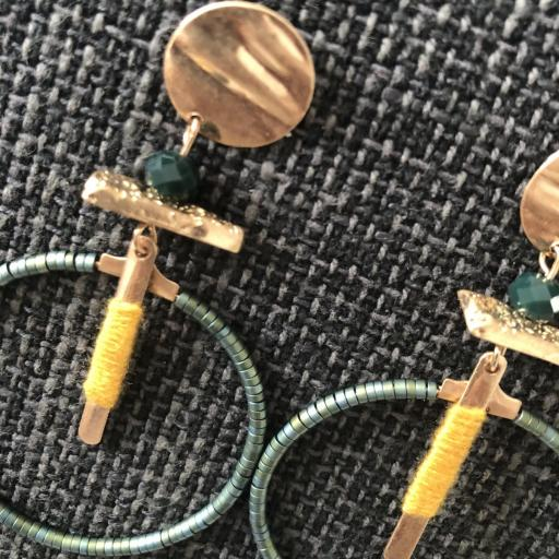 Pendientes  dorados fantasia verde y mostaza [1]
