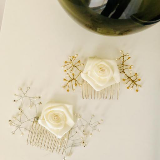 Peineta con flor y ramas plateadas perladas  [3]