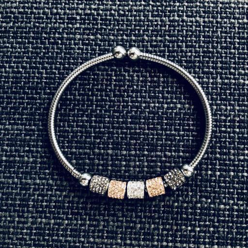 Pulsera de hilo flexible con charms grises,rosados y plateados [0]