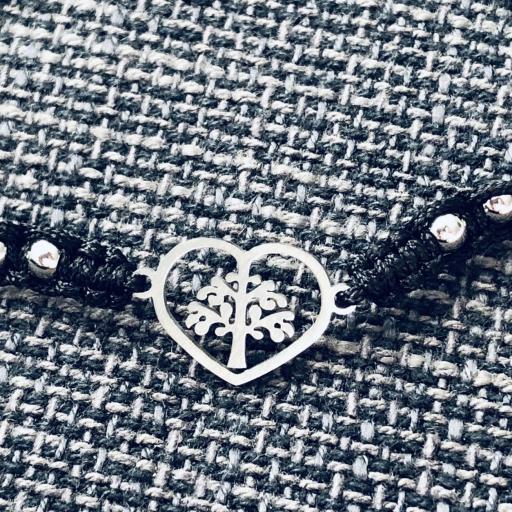 Pulsera de hilo negro y corazón con árbol de la vida [1]