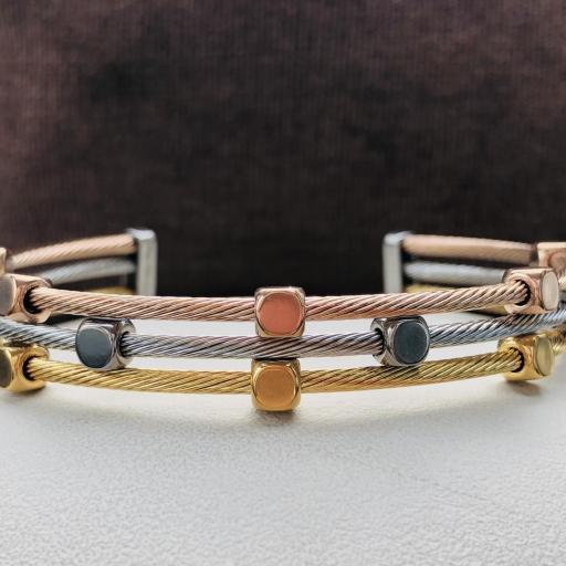 Pulsera abierta de acero con tres hilos en color rosa, oro y plata [3]