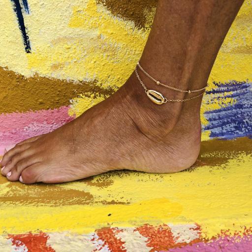 Conjunto de pulseras tobilleras  doradas con cadena y caurí [3]