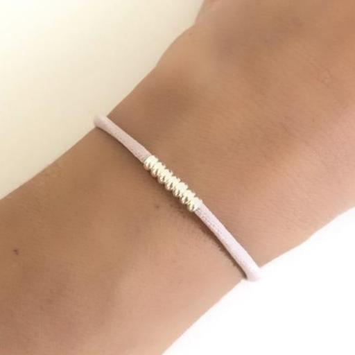 Pulsera elástica de seda color rosa  con bolitas de plata  [1]