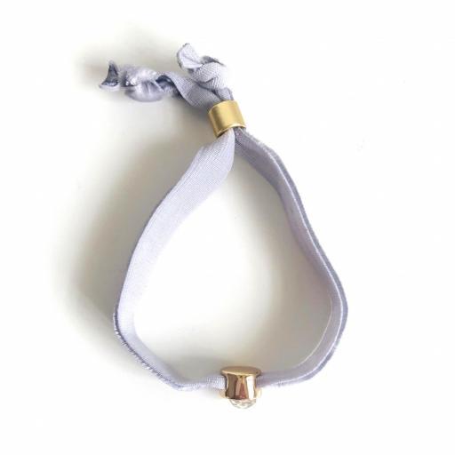 Pulsera terciopelo elástico gris marengo con cristal en forma de corazón [3]