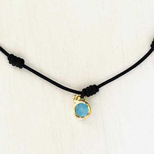 Pulsera negra de 7 nudos  dorada con cristal azul turquesa [2]
