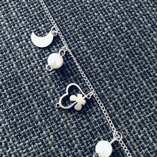 Pulsera de acero con cristales perlados, corazones y lunas [1]