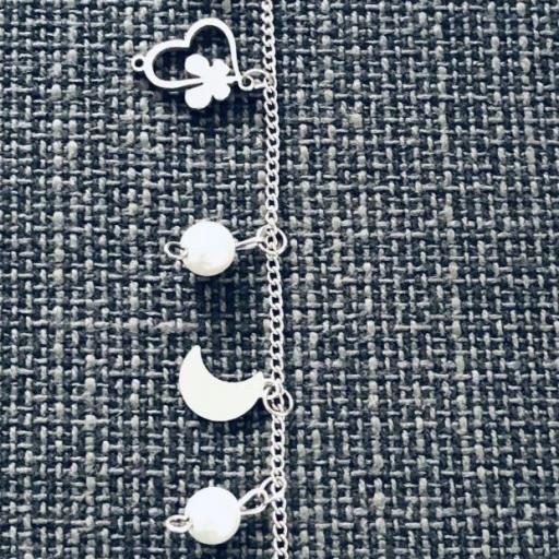 Pulsera de acero con cristales perlados, corazones y lunas [2]