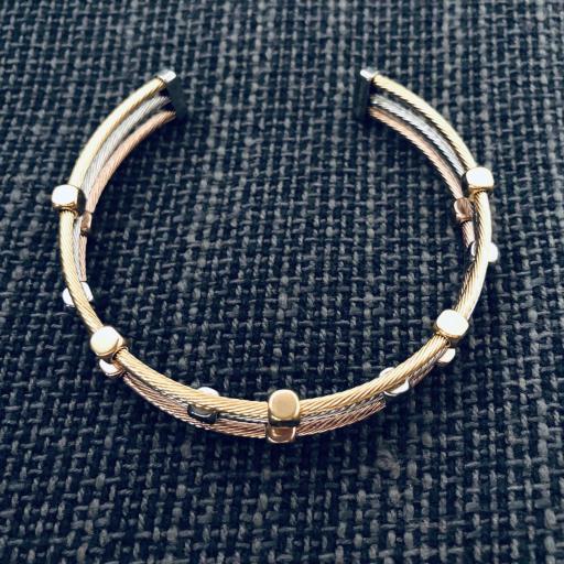 Pulsera abierta de acero con tres hilos en color rosa, oro y plata [1]