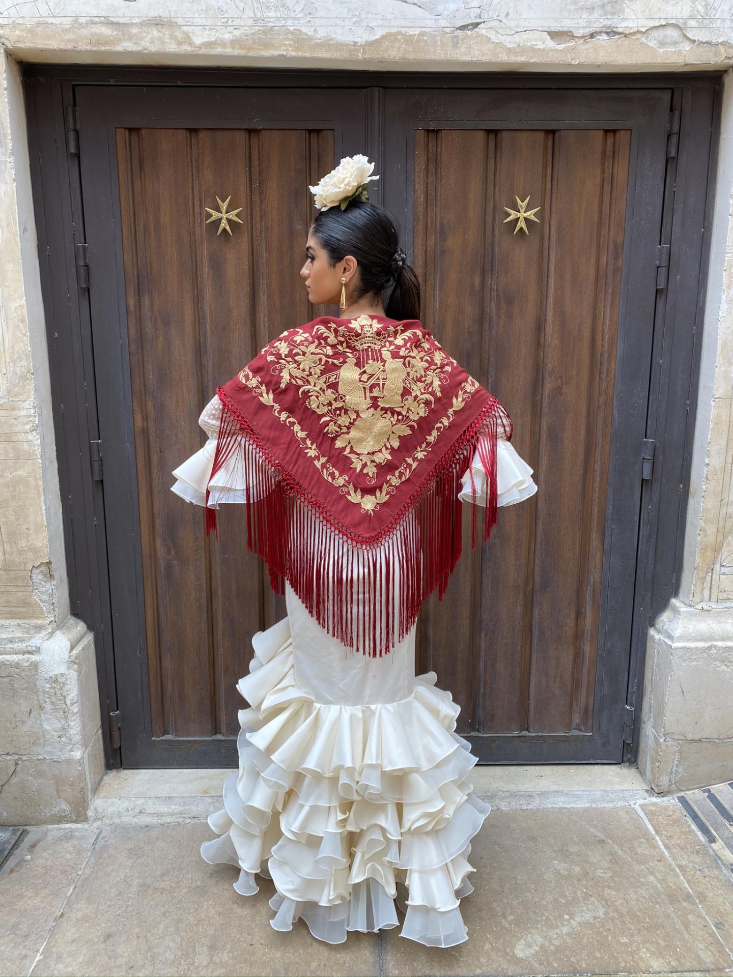 Burdeos bordado en Albero