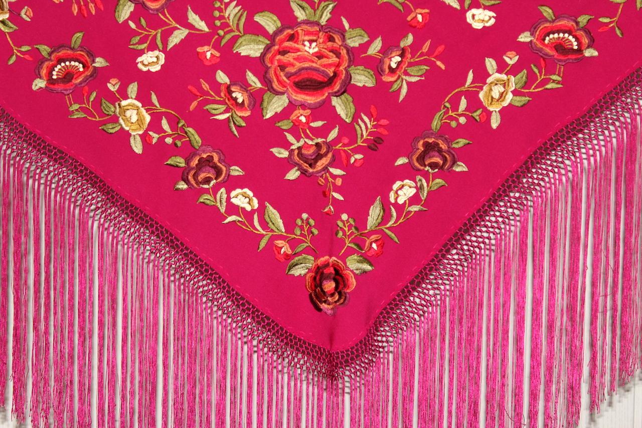 Fucsia bordado en colores