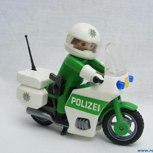 PLAYMOBIL 3983 POLICIA CON MOTO ALEMANA (AÑO 1998 -2008)