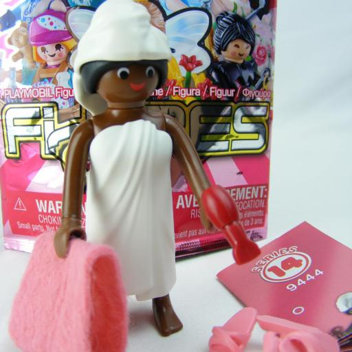 PLAYMOBIL SERIE 14 CHICAS MUJER EN TOALLA