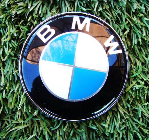 Anagrama Logotipo delantero de 82mm. diametro valido para BMW