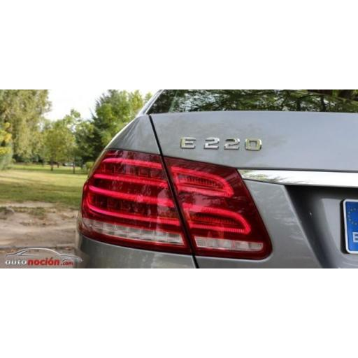 """Mercedes  Logo  Trasero  """"E220""""  Cromado [2]"""
