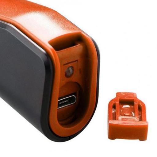 Linterna Leds.  Recargable por puerto USB,  Larga duracion 10.000 H. de vida [1]