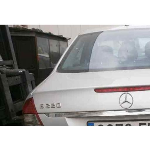 """Mercedes  Logo  Trasero  """"E220""""  Cromado [3]"""