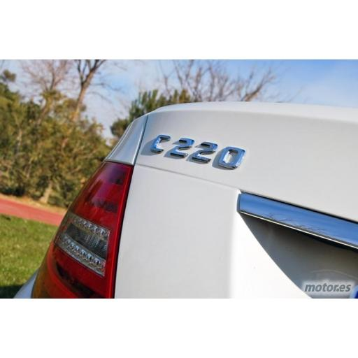 "Mercedes  Logo  Trasero  ""C220""  Cromado [1]"