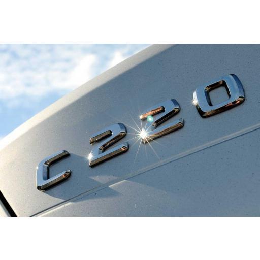 "Mercedes  Logo  Trasero  ""C220""  Cromado"