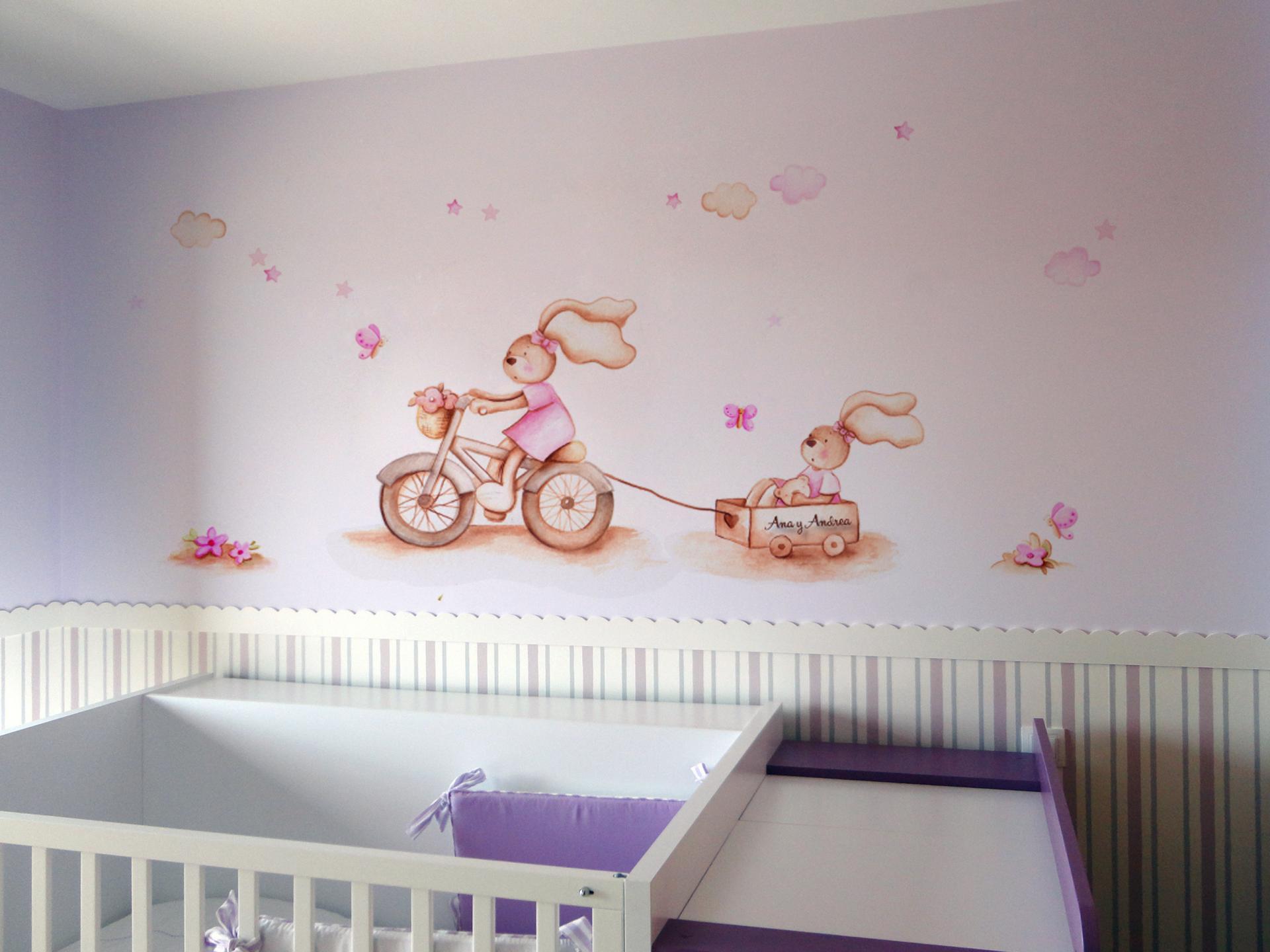 VINILO INFANTIL: Conejitas con bici y carro